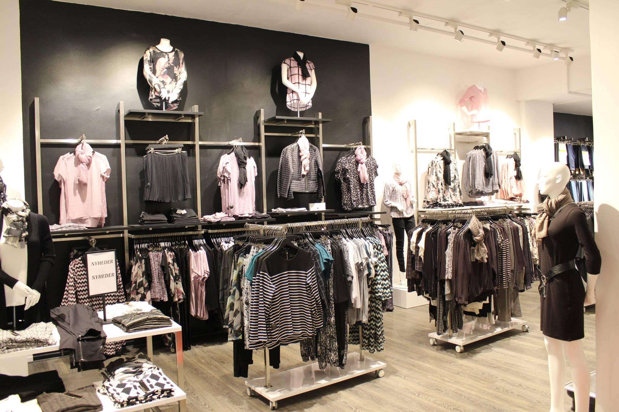 Butiksindretning - Horsens. Årets butik 2015 er indrettet med butiksinventar systemet