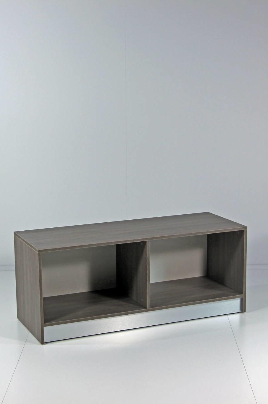 Lager / opbevarings møblet har mulighed for at få monteret, skuffer, låger eller hylder. Kan leveres i alle NCS farver