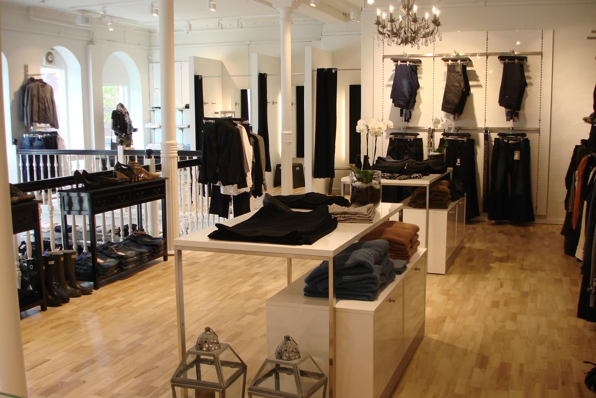 Attraktivt og pris billigt kvalitets butiksinventar system, som kan leveres i alle farver