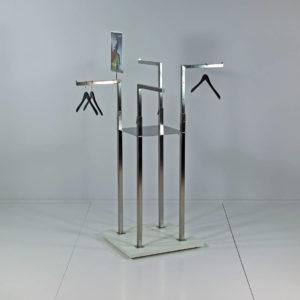 Stativ med 4 arme som kan højde indstilles. Butiksinventar