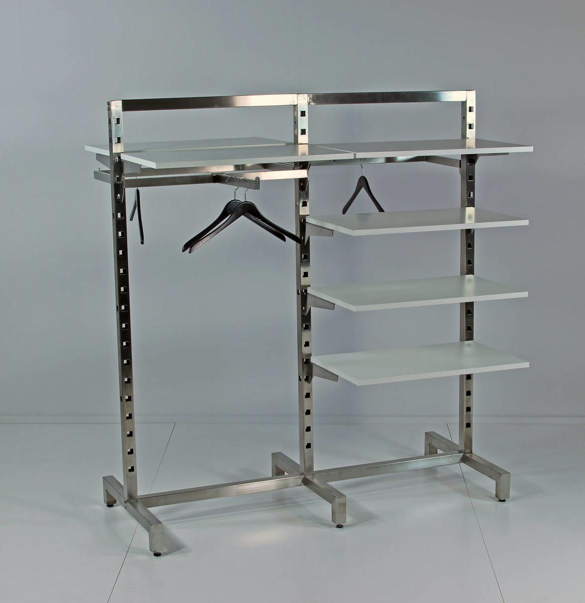 Fleksibelt stativ som kan udnyttes optimalt til alle varegrupper, og kan bruges som rumdeler. Butiksinventar