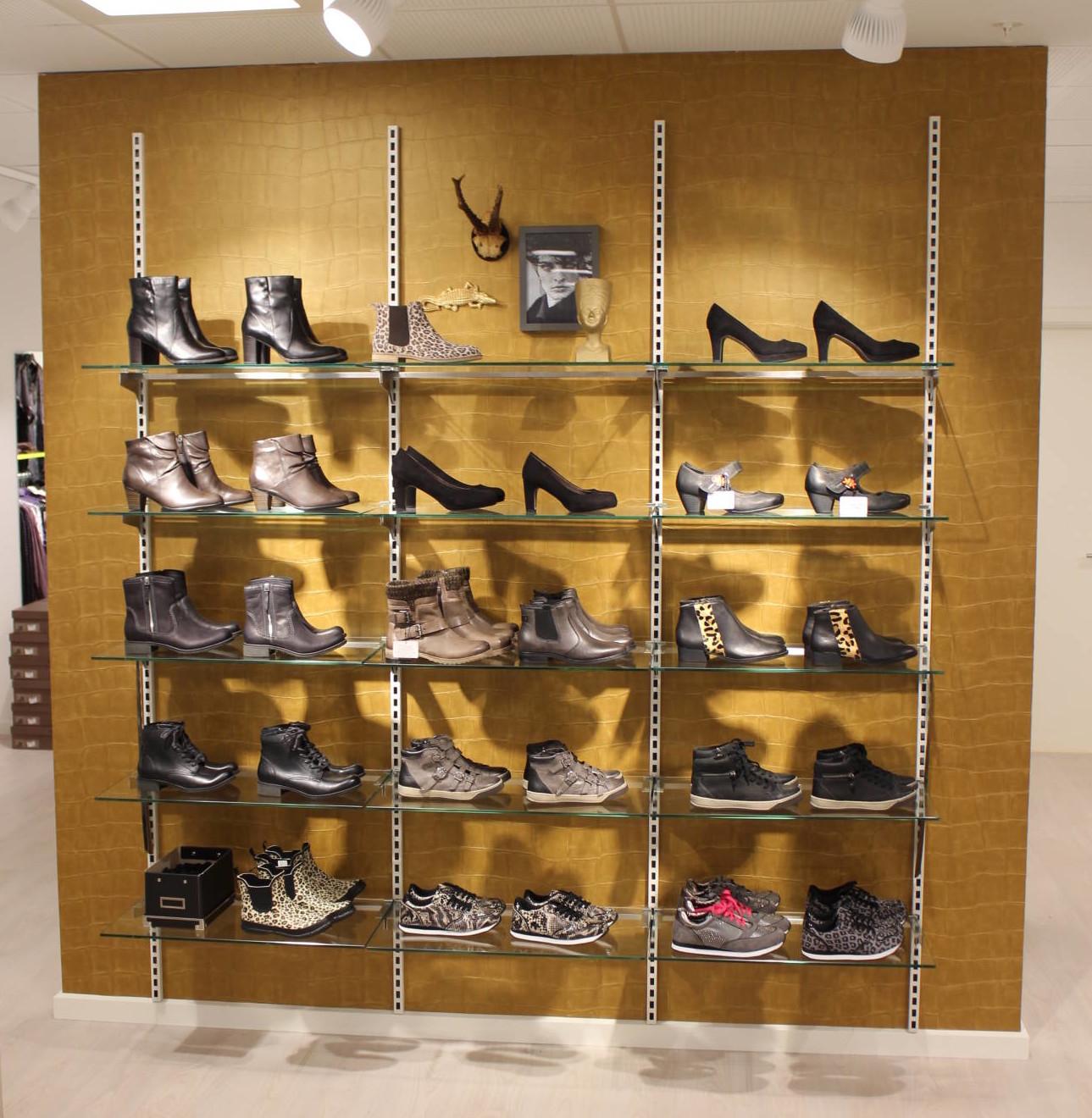 Butiksinventar Flexi, butiksindretningen afvendt i sko afdeling