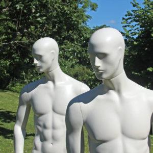 Mannequin Christian leveres i 4 forskellige positioner