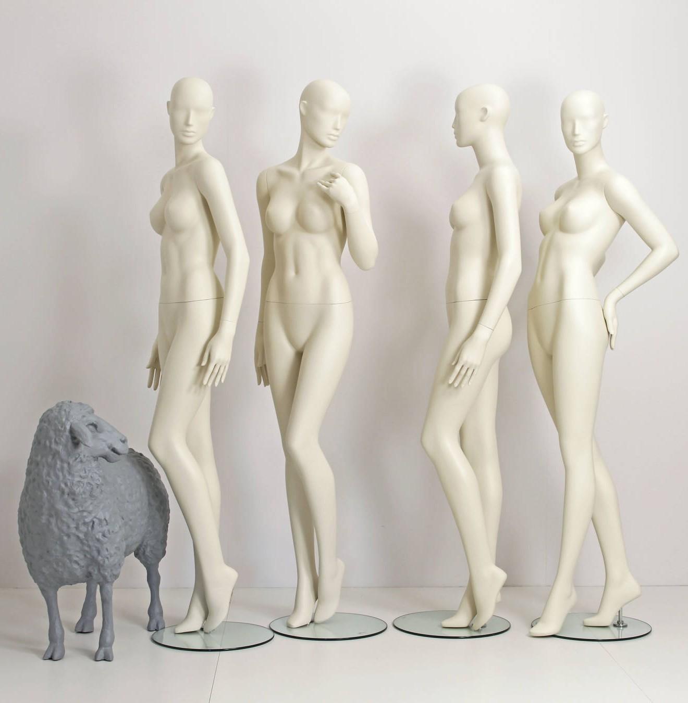 Designmannequiner findes i 9 forskellige positioner og alle i størrelse 38
