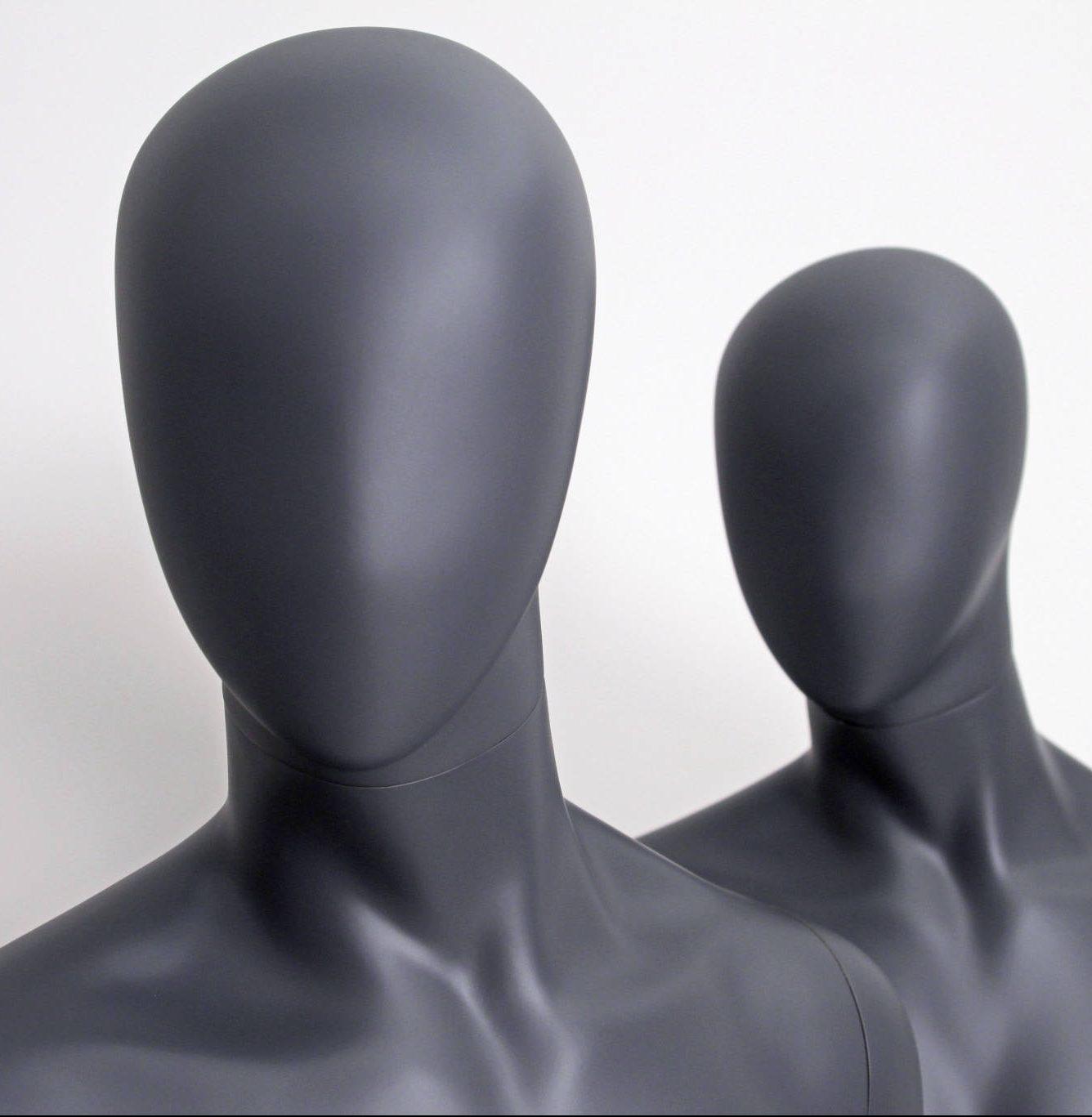 Moon head / faceless. Utrolig lækker herre mannequin i flot grå farve. Lagerførende og hurtig levering i alle farver. Konkurrencedygtige priser