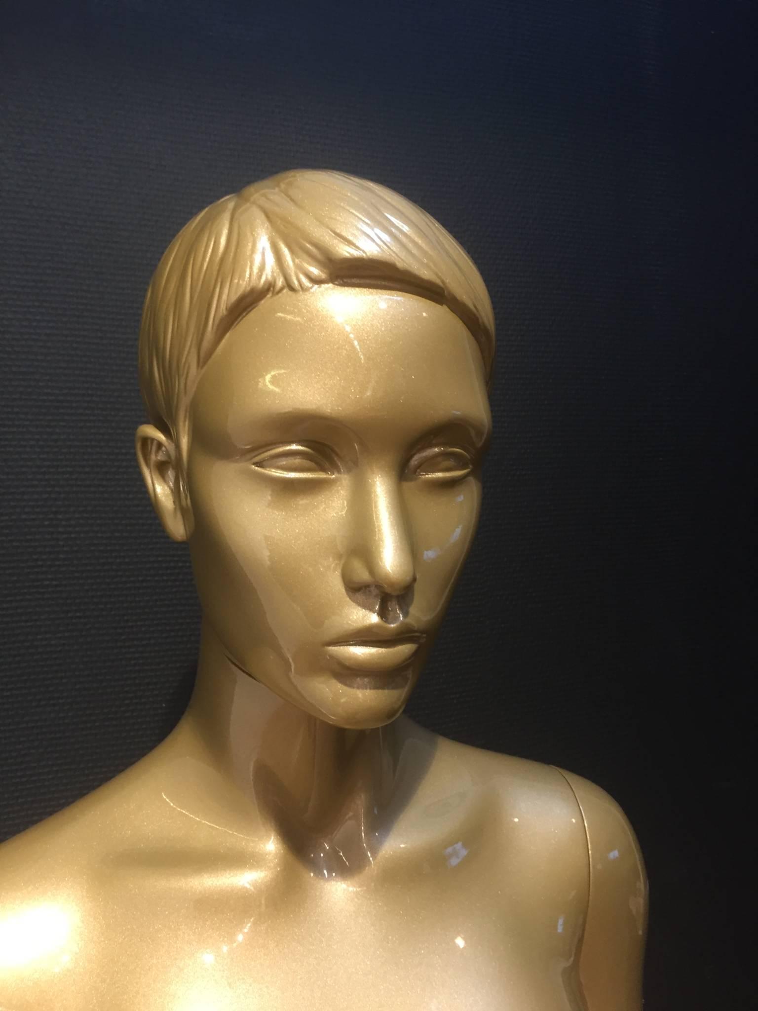 Eksklusivt udtryk - Guld mannequin